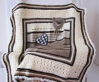 Textil - Detská ručne pleteno-háčkovaná deka s mackom - 10050513_