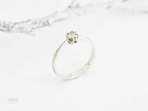 Prstene - 925/1000 Strieborný prsteň zásnubný s prírodným diamantom 3,5mm - 10053698_