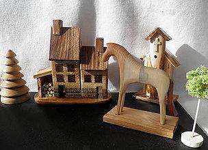 Dekorácie - drevený domček... - 10057418_