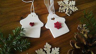Dekorácie - Vianočný domček...v zasneženej krajine... - 10056260_