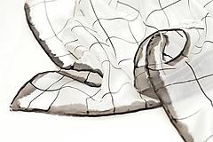 Čierne na bielom - hodvábna šatka.