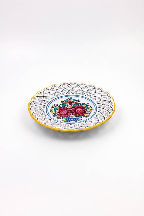Vyrezávaný tanier (Pestrý dekor)