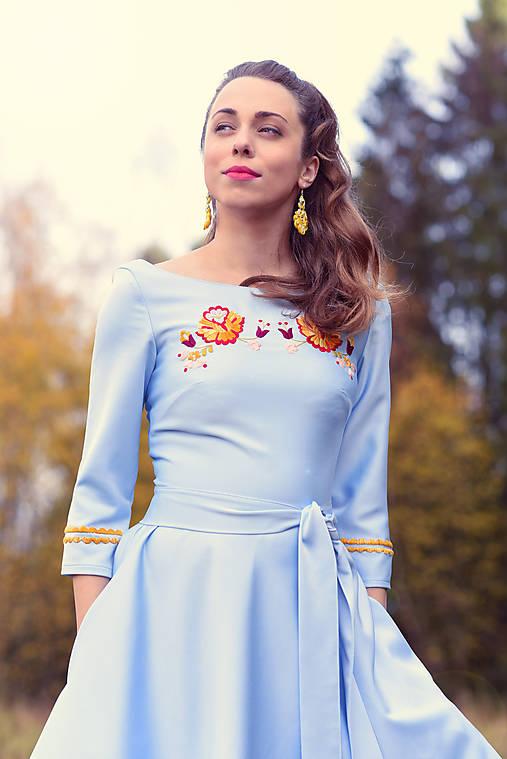 Svetlomodré krátke šaty Poľana