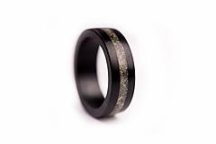 Prstene - Drevený prsteň Eben & Opál - 10058793_