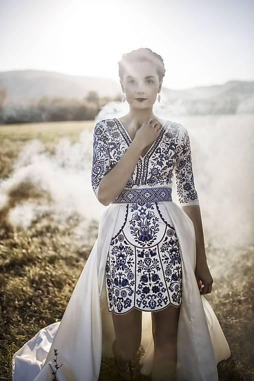 Krátke šaty Slavianka