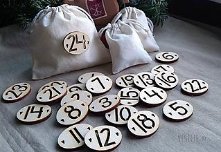 Dekorácie - Číselká na adventný kalendár . so srdiečkami - 10057964_