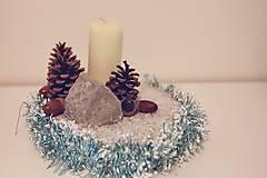 Svietidlá a sviečky - vianočná dekorácia na stôl - 10059995_