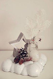 Svietidlá a sviečky - vianočná dekorácia na stôl - 10059976_