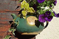 Nádoby - Kameninový kvetináč zelený, medienkový, čajník, závesný :o)). - 10062778_