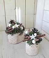 Dekorácie - vianočná dekorácia na pníčku - 10064388_
