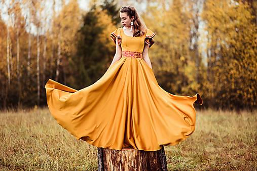 Horčicové dlhé šaty