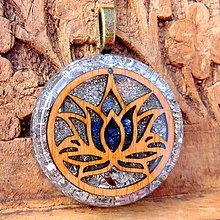Náhrdelníky - Lotosový květ s Lapisem granát (16)* Komunikační - 10073913_