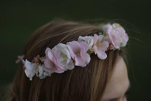 Venček bledo ružový