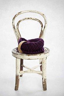 Šály - Šál s koženou ozdobou (Purpurová fialová) - 10070944_