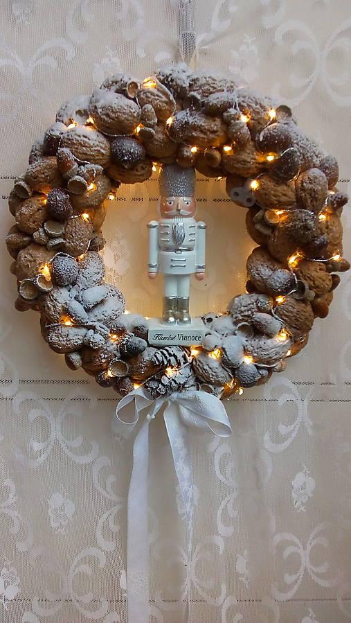 Veniec zimný s luskáčikom...LED   kiflike - SAShE.sk - Handmade ... 42bf0060bd4