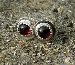 Náušnice - Malé granátové - 10074588_