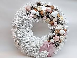 Dekorácie - Vianočný strapatý venček púdrovoružový - 10074655_