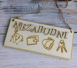 """Tabuľky - Drevená tabuľka """"NEZABUDNI"""" - 10076712_"""