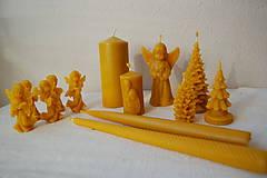 Svietidlá a sviečky - Sviečka z včelieho vosku vysoká  (vrúbkovaná) - 10079762_