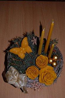 Svietidlá a sviečky - Sviečka z včelieho vosku vysoká  (vrúbkovaná) - 10079772_