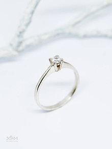 Prstene - 925/1000 Strieborný prsteň zásnubný s prírodným diamantom 3,4mm - 10080924_