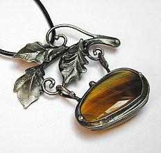 Náhrdelníky - cínový šperk s minerálom -  Z lesa - 10084136_