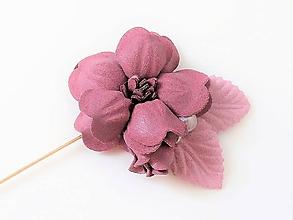 Odznaky/Brošne - Bordová vínová kvetinová brošňa pin - 10081074_