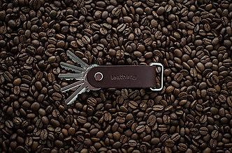 Kľúčenky - Kožená klíčenka Alfa & Beta COFFEE - 10083075_
