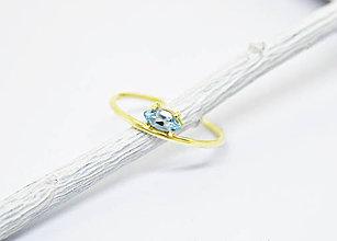 Prstene - 585/14k zlatý prsteň s prírodným akvamarínom - 10085966_