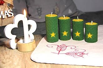 Svietidlá a sviečky - adventné sviečky z včelieho vosku s hviezdou (Zelená) - 10086526_