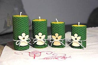 Svietidlá a sviečky - adventné sviečky z včelieho vosku s dreveným anjelom (Zelená) - 10086547_