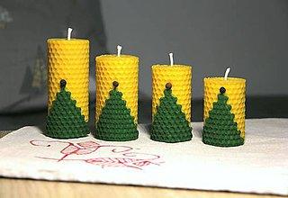Svietidlá a sviečky - adventné sviečky z včelieho vosku so stromčekom - 10086573_