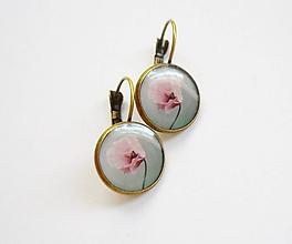 Náušnice - Živicové náušnice - Ružové makovienky (starobronz) - 10089809_