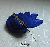 Odznaky/Brošne - brož pierko kráľovská modrá - 10088098_