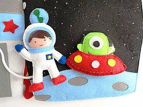 Hračky - Textilná knižka raketa a astronaut - 10086194_