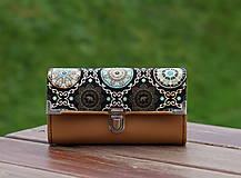 Peňaženky - Peněženka slon a mandala, karamelová, 18 karet, prostorná - 10086784_