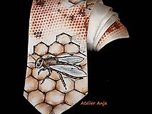 Doplnky - Hodvábna kravata pre včelára - 10087616_