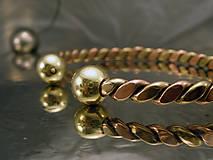 Šperky - Viking - zlato-medený náramok s guličkami - 10090012_