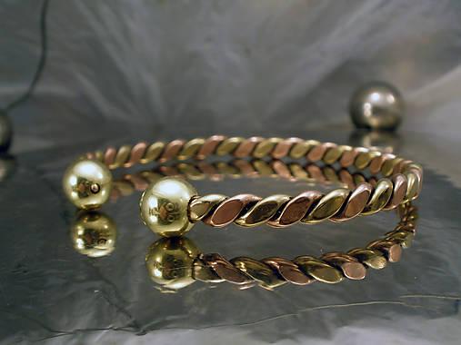 Viking - zlato-medený náramok s guličkami