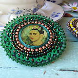 Odznaky/Brošne -  Frida- vyšívaná brož - 10090320_