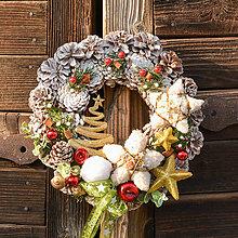 Dekorácie - Šiškový vianočný veniec na dvere - 10092685_