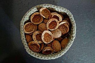 Suroviny - orechové škrupinky - 10090358_