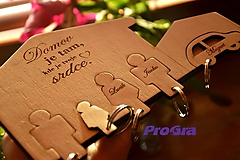 Kľúčenky - Domček na kľúče 4 postavičky a garáž - 10093422_