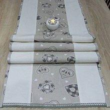Úžitkový textil - Severské olivové srdiečka na režnej - vianočný stredový behúň - 10093902_
