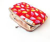 Peňaženky - Peňaženka XL Vtáčiky na červenej - 10092000_