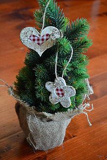 Dekorácie - Brezové ozdoby na stromček  - srdce a kvietok sada 2ks - 10090447_
