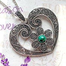 Náhrdelníky - Natural Faceted Malachite & Heart Antique Silver Necklace / Výrazný náhrdelník srdce s pravým malachitom /1132 - 10097814_