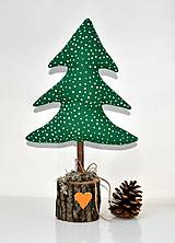 Dekorácie - Vianočný stromček-zelený-zasnežený - 10096373_