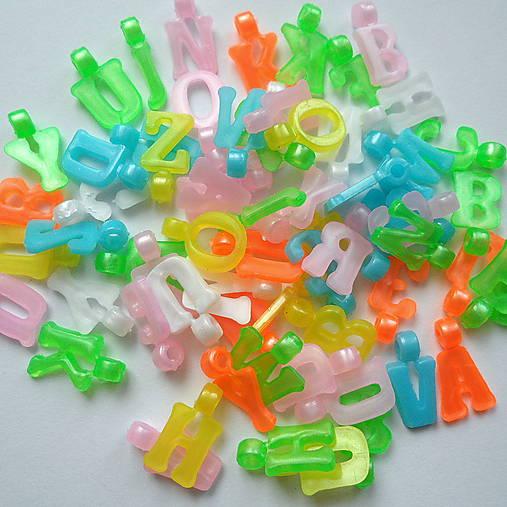 Písmenká plast 12mm-balíček cca 200ks