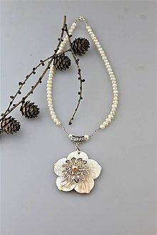Náhrdelníky - perleť a perly náhrdelník - 10094580_